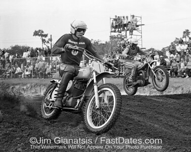 Mark Blackwell, 1971 AMA 500cc National Championship on a Husqvarna CR400, leading reigning 250c National Champion Gary Jones on a DT360 at the 1972 Florida Series,
