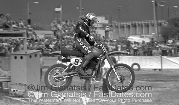 Marty Smith, Honda RC450, on his way to winning the 500cc National Championship in 1979 at St. Petersburg, Florida.