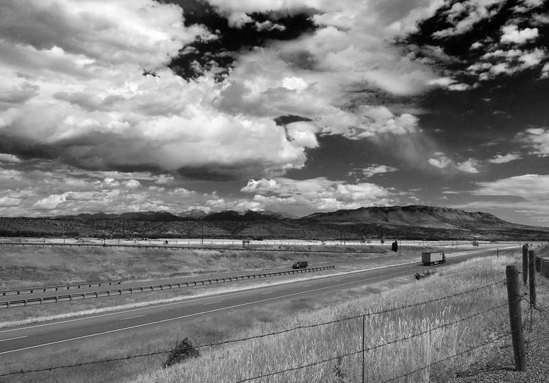 A view of the I90 that runs through Montana.