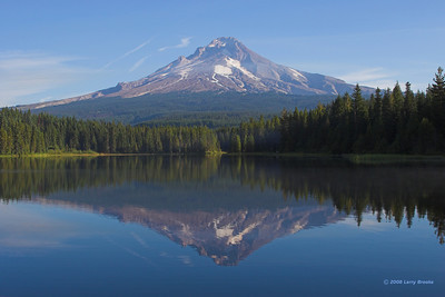 Mt Hood reflects on Trillium Lake