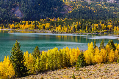 Lower Slide Lake shows off Autumn colors