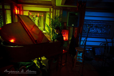 Acoustic Lounge, 02.27.2009