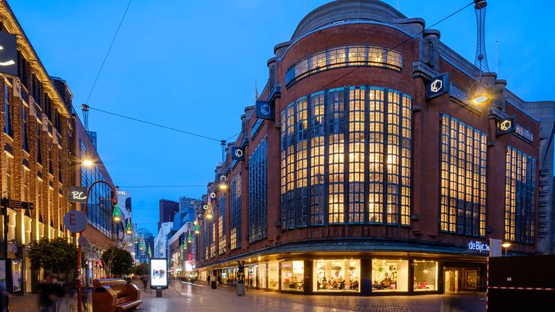 The Bijenkorf Store at dusk