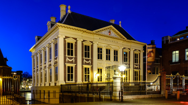 Mauritshuis at dusk - The Hague