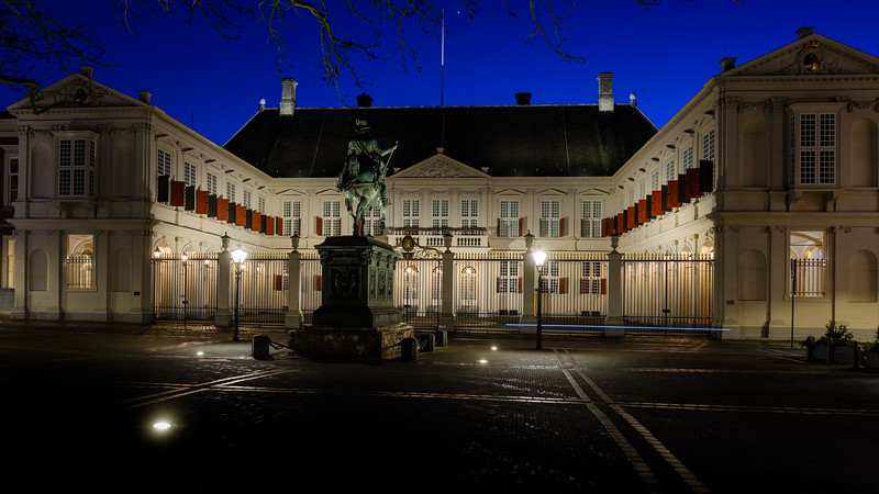 Noordeinde Palace at Dusk