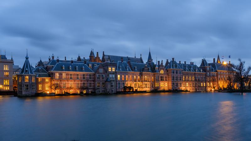 Hofvijver - Binnenhof at dusk