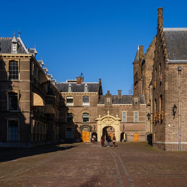 Binnenhof Gate