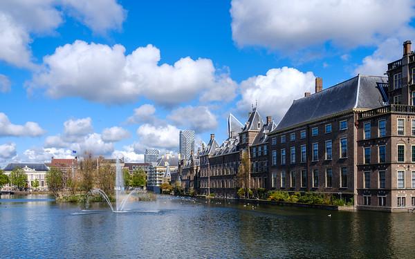Binnenhof on the Hofvijver