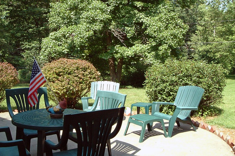 I snapped a few pics of the backyard patio today.
