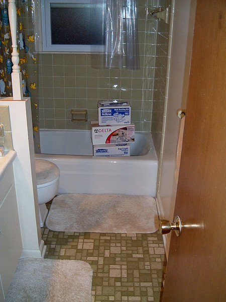 With one bathroom already in the books, it was now time to give the upstairs bathroom the same treatment.  Just like the downstairs bathroom, this project would focus on updating what is already in place.