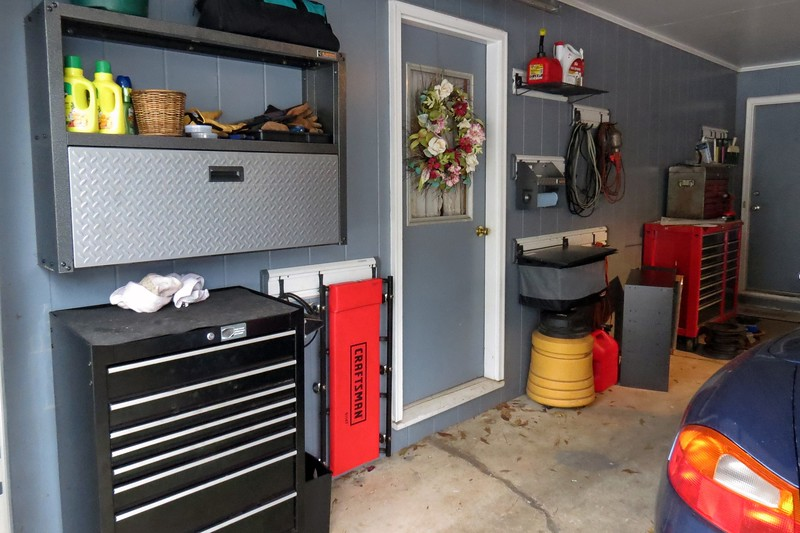 January 29, 2014:  Today I began a three-part upgrade with regard to overall organization and storage in my garage.  Part one involved moving my garage Craftsman tool box out of the utility room into the main garage area.