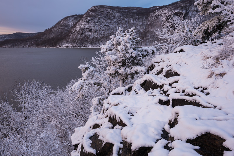 Late Season Snowfall at Little Stony Point