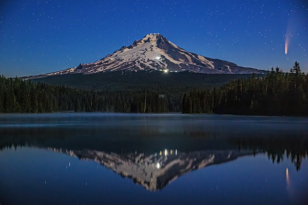 """""""Freeze Frame,"""" Comet C/2020 F3 (Neowise) over Mount Hood and Trillium Lake, Mount Hood National Forest, Oregon"""