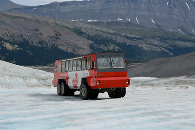 Tundra Bus Columbia Icefields