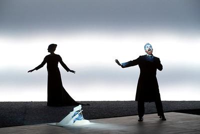 A DAMA DO MAR - texto de Susan Sontag baseado na peça de Henrik Ibsen - direção, cenário e conceito de luz Robert Wilson - música Michael Galasso - figurinos Giorgio Armani