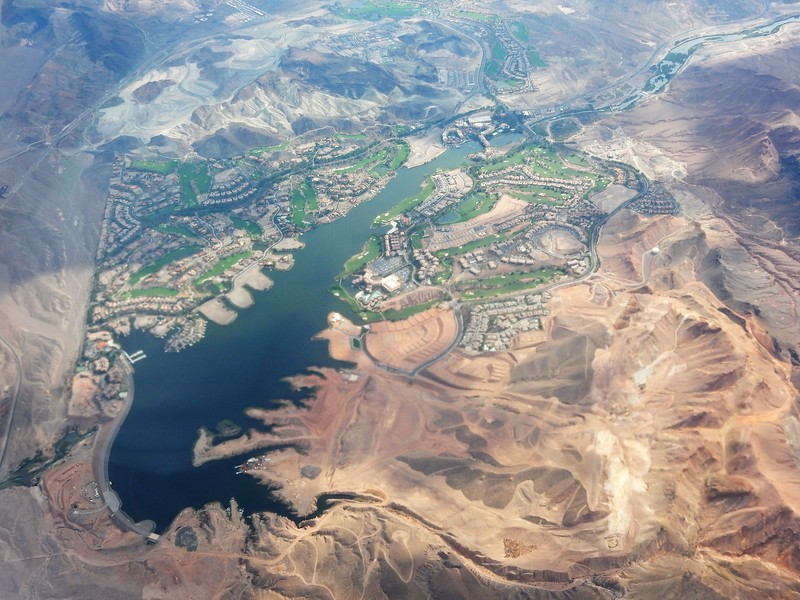 Not sure what lake this is but it made some great photos. It might be Lake Havasu.