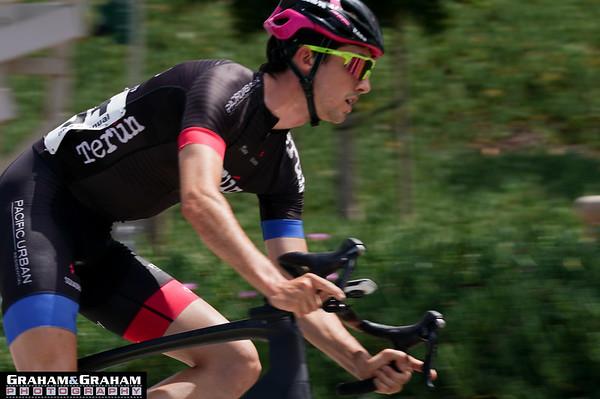 Cyclist at Manhattan Beach Grand Prix race