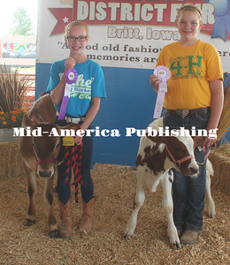 Grand Chamption Bucket Bottle Calf, Grades 4-6, was awarded to Elise Wirtjes. Reserve Champion to Corrina King.