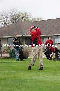 Curran MacLaughlin | The Leader Bryce Bake tees off at Sectionals on Saturday.