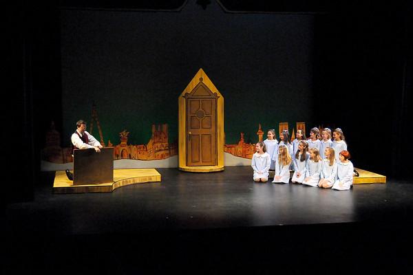 Madelines Christmas 12-8-09 (46)
