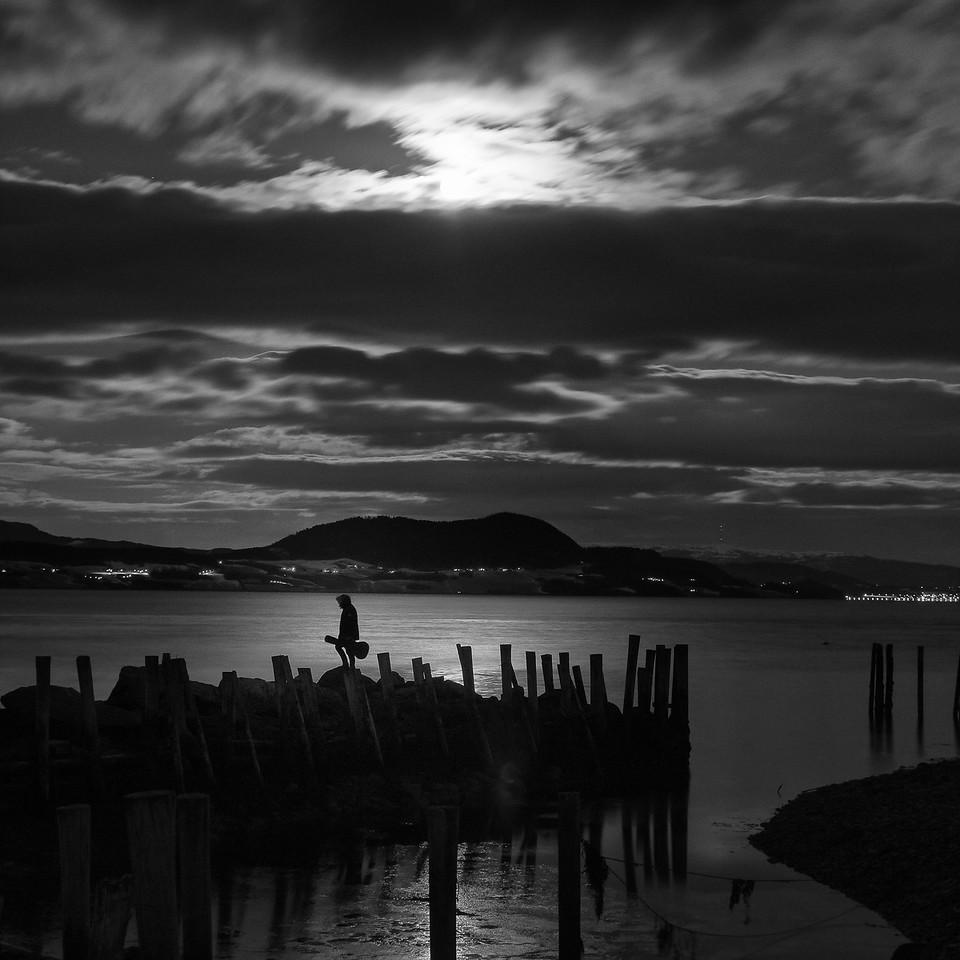 The Loner - Nighttime