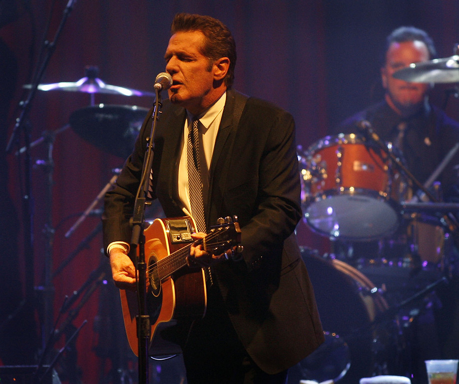 """. <p>OTHERS RECEIVING VOTES </p><p> Glenn Frey, Aroldis Chapman, Darius Fleming, Justin Upton, David Petraeus, Dr. Phil, Kathryn Smith, Eddie Lacy, Rafael Nadal, Squidward, Tripp Palin, Yu Darvish, Antwaan Randle El, John Scott, hoverboards, Scarsdale, Green Bay Packers, Larry Fitzgerald, Minnesota Wild, Minnesota Gophers, Iran, Democratic presidential debate, David Bowie, Ted Cruz, Donald Trump, Seattle Seahawks, stock market, New England Patriots, Peyton Manning. </p><p><br>    </p><p>EDITOR�S NOTE </p><p> The Loop is taking a slightly elongated weekend, returning with a piping hot Loop Ten countdown on Wednesday. </p><p><br>    <br></p><p><i> You can hear Kevin Cusick on Wednesdays on Bob Sansevere�s �BS Show� podcast on iTunes and at bsblog.com/podcasts. You can follow Kevin at <a href=\""""http://twitter.com/theloopnow\"""">twitter.com/theloopnow</a>.</i> </p><p><br>   (AP Photo/Ralph Freso, File)</p>"""