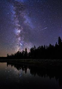 Ellis Milky Way and Meteor