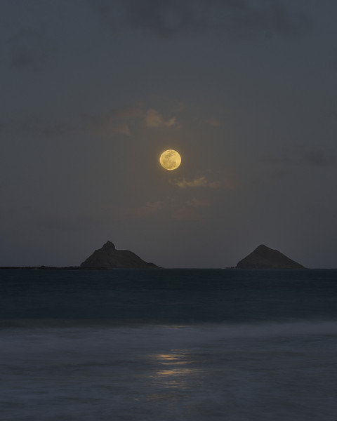 Full Moon over the Mokulua Islands<br /> May 5, 2012