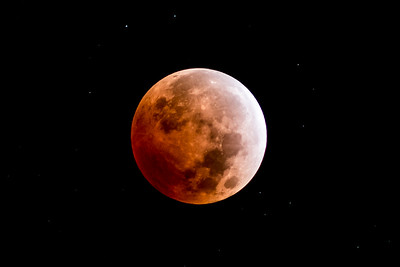 Nice clear and sharp shot of the lunar eclipse / blood moon - October 8, 2014