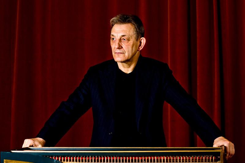 Trevor Pinnock. English conductor and harpschordist.