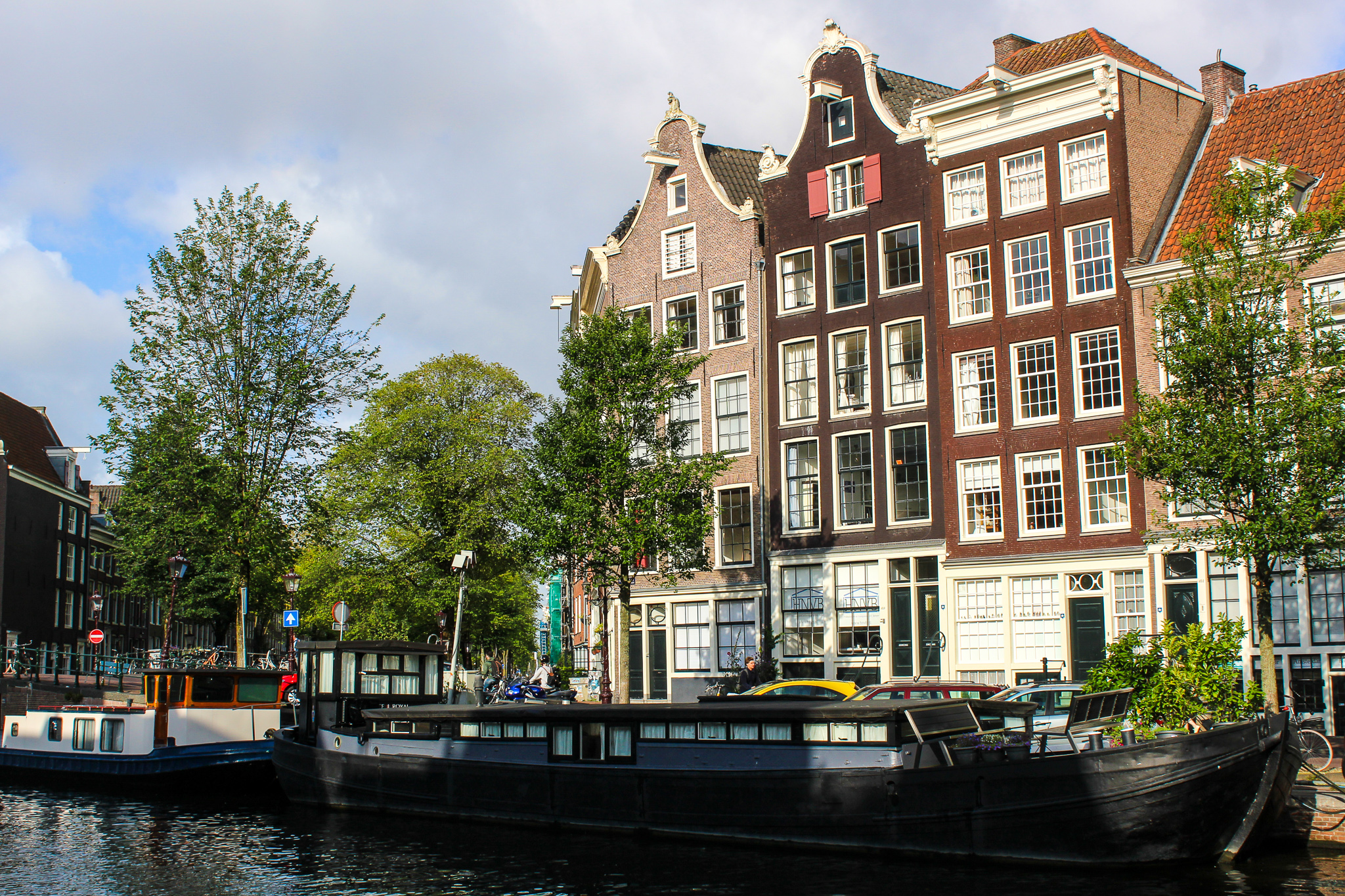 exploring jordaan is what to do in amsterdam in 2 days