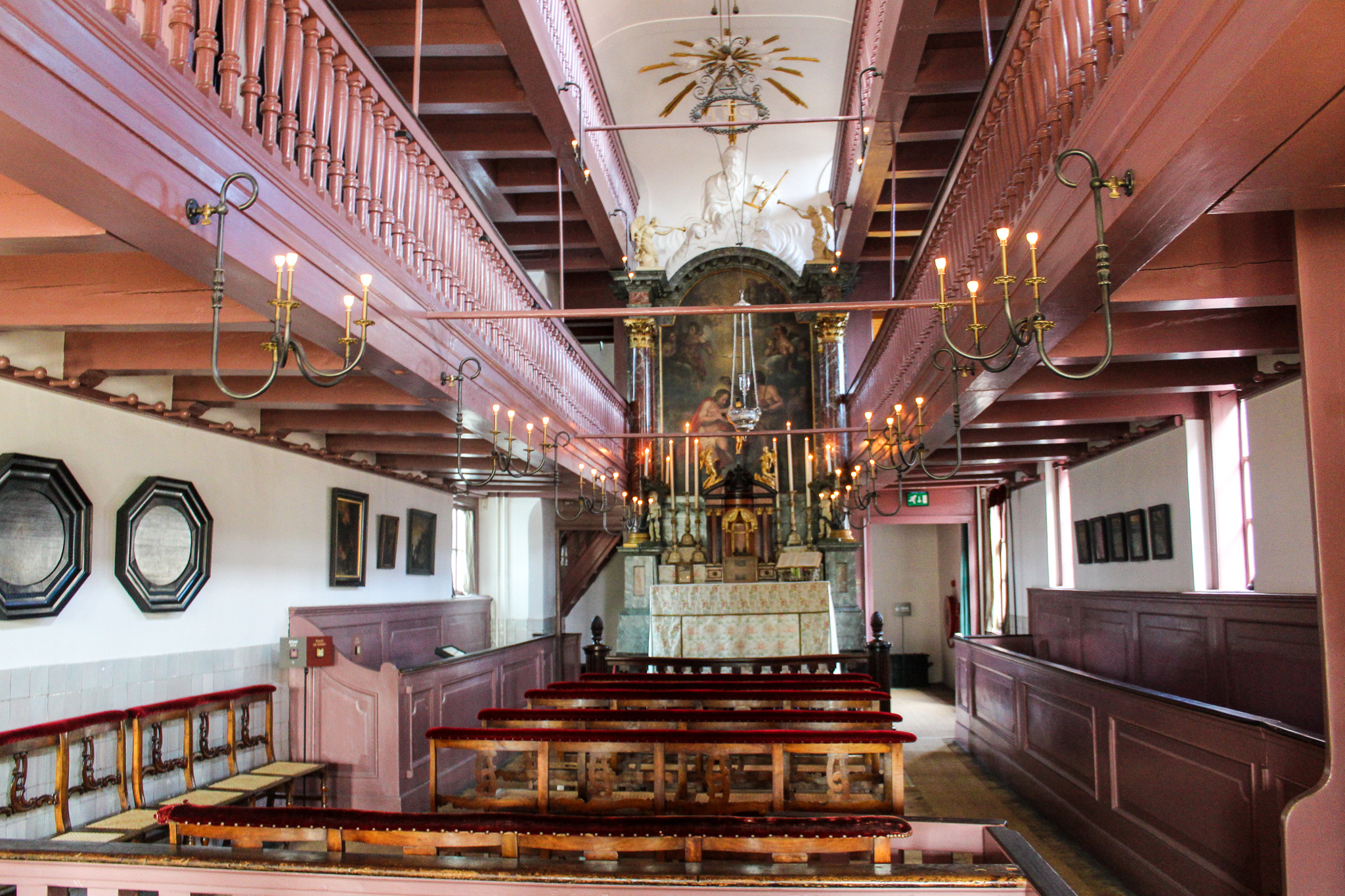 seeing the church in the attic is a good idea with 48 hours in amsterdam