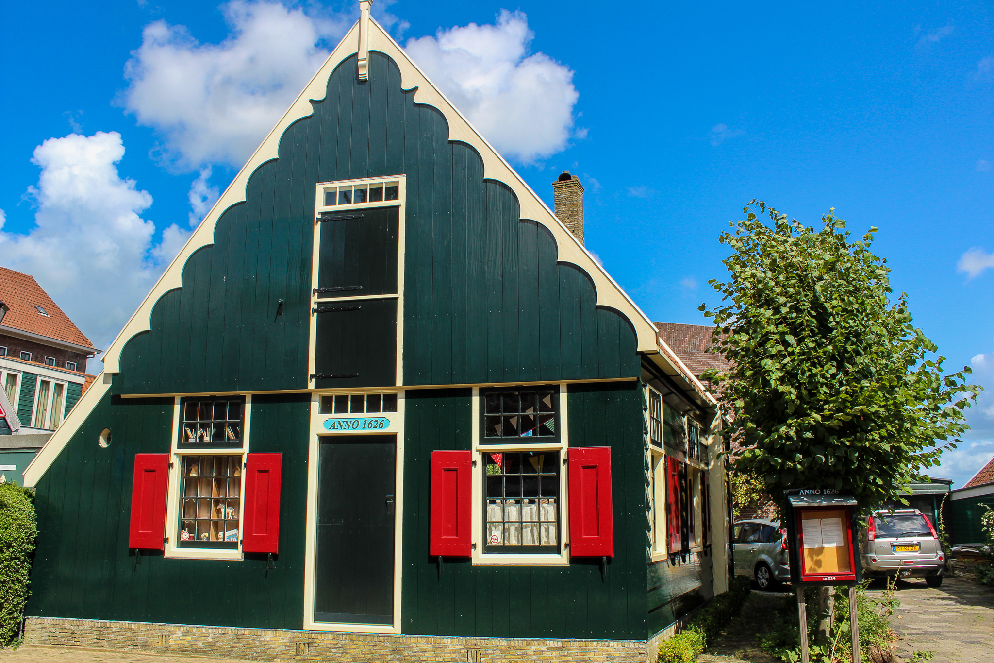 is zaanse schans worth visiting? absolutely! see all the historical homes