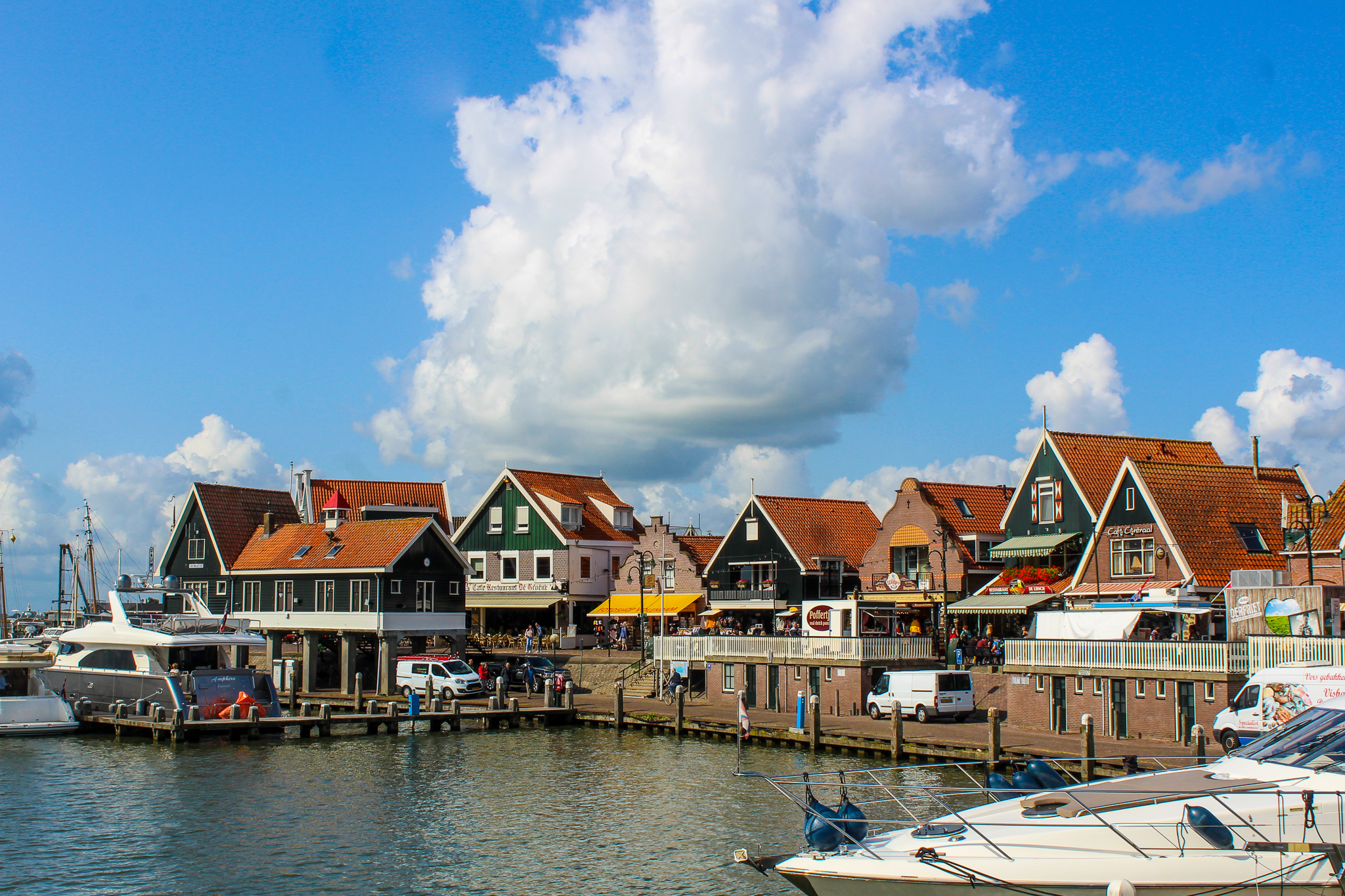 day trips outside amsterdam will take you to the seaside