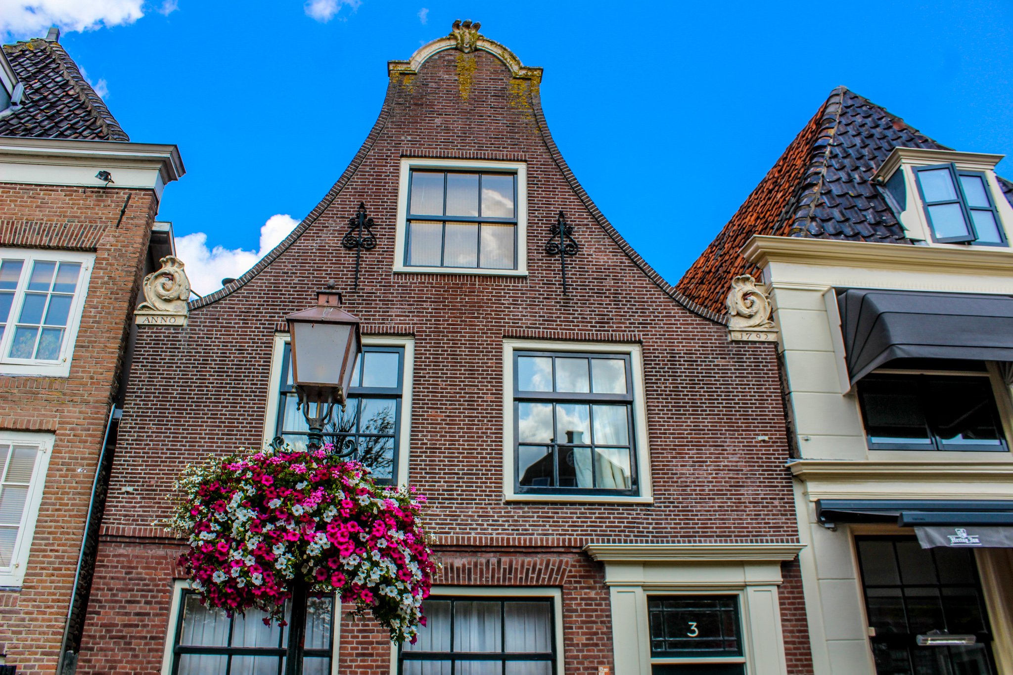 these adorable homes are among the best things to do in hoorn