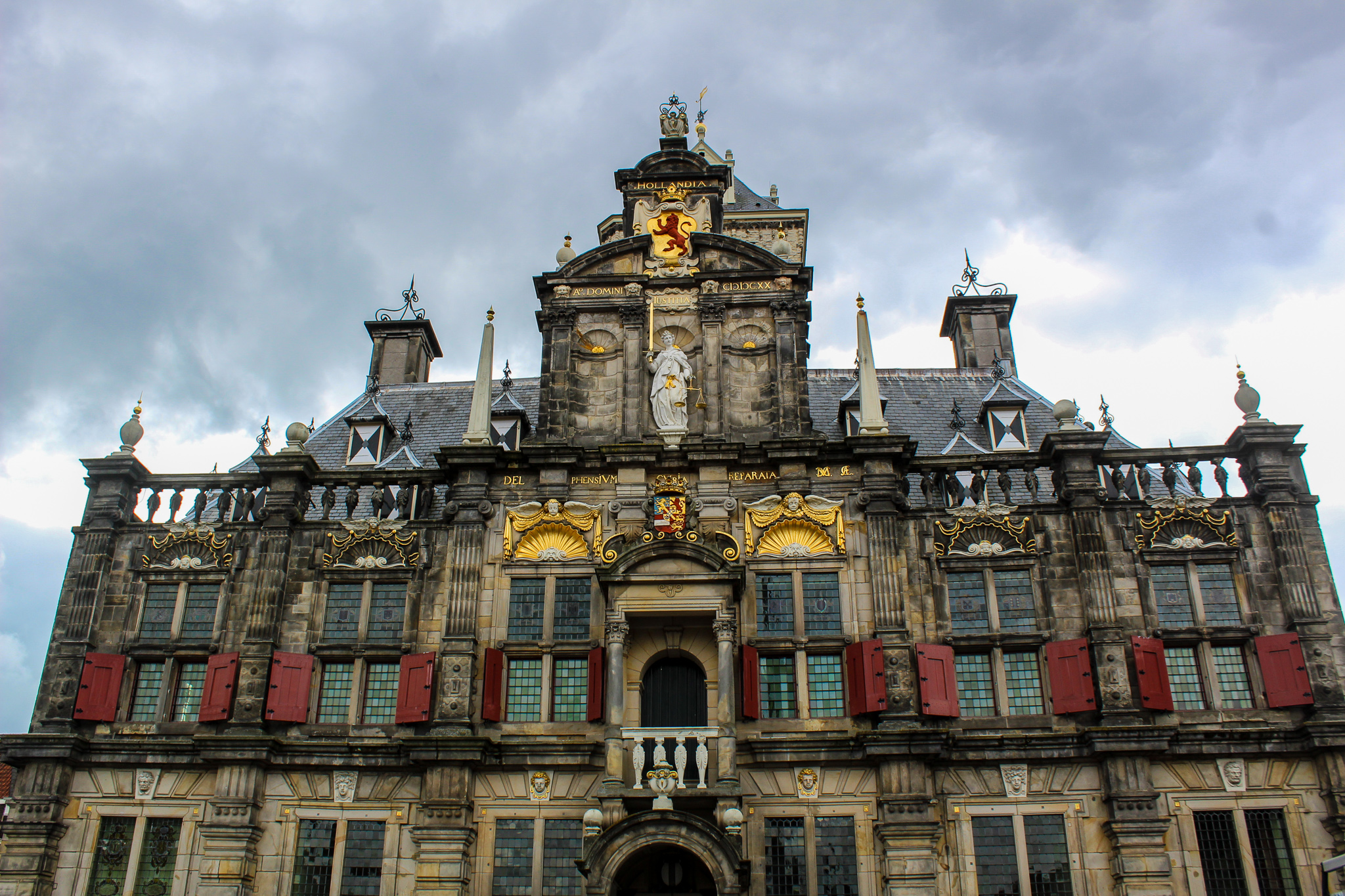 things to do in delft netherlands - see the city hall