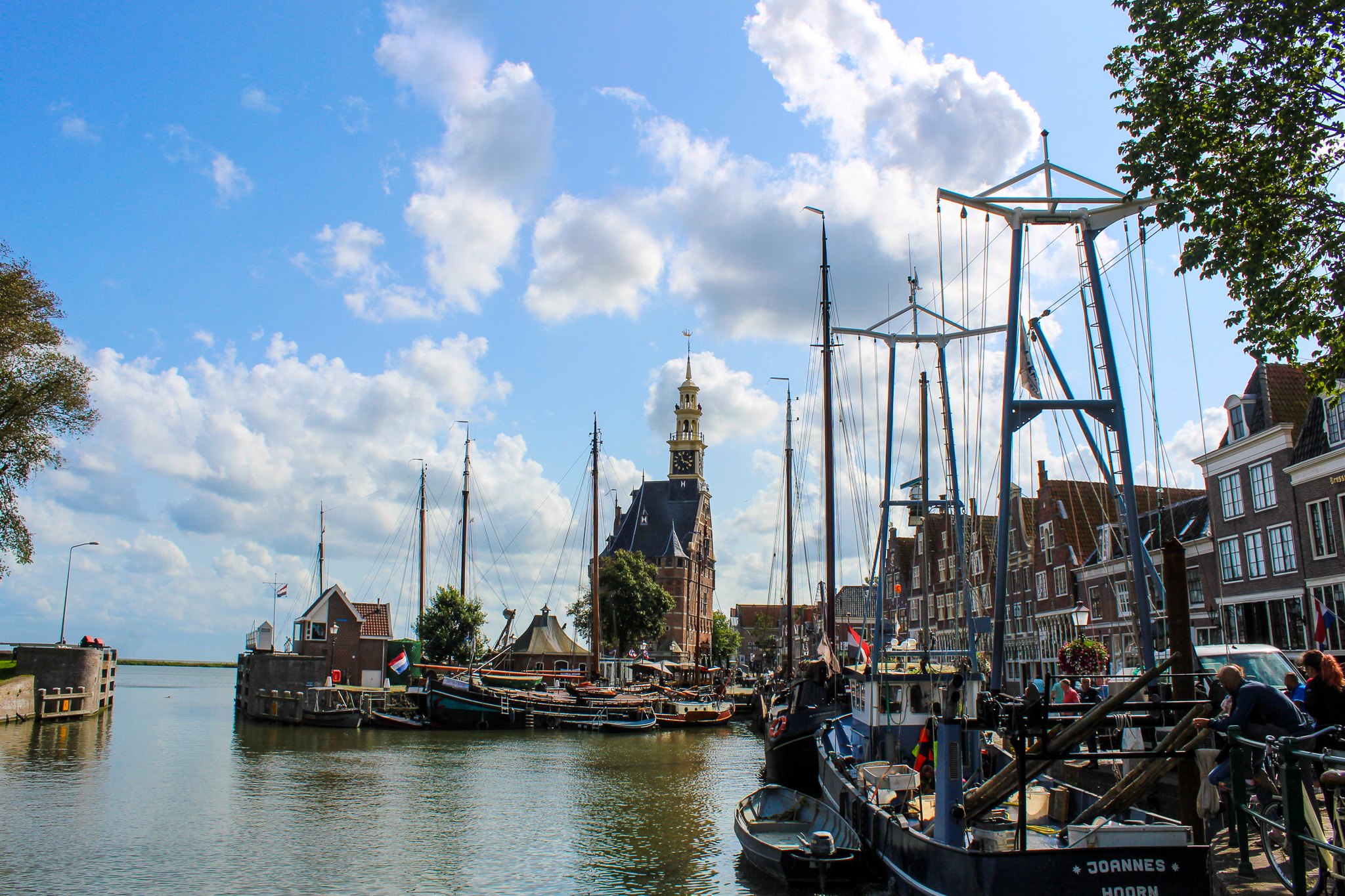 is amsterdam worth visiting? yes for day trips to hoorn