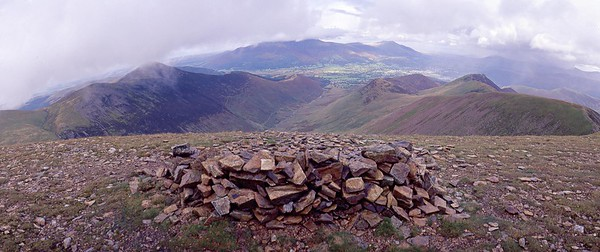 Crag Hill Summit : view north over Coledale