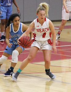 no.4, McKayla Hughes Point Pleasant Beach girls basketball v/s Mater Dei in Point Pleasant Beach, NJ on 1/31/19. [DANIELLA HEMINGHAUS | THE OCEAN STAR]