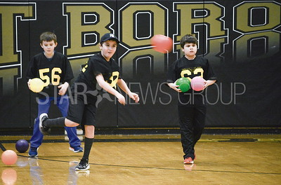 kids playing dodgeball