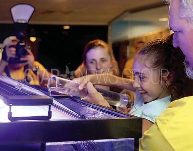 BEACH JENKS Oyster opening// Anabella Figueroa 7 of Roxbury