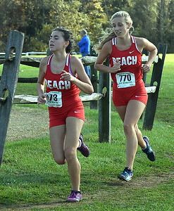POINT PLEASANT BEACH FEMALE RUNNERS AT THE 2018 NJSIAA SECTIONAL MEET IN MONROE, NEW JERSEY ON 11/03/2018. (STEVE WEXLER/THE OCEAN STAR).
