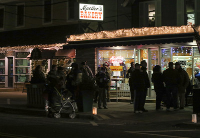 The 36th annual Christmas Walk in Bay Head, NJ on 12/7/18. [DANIELLA HEMINGHAUS | THE OCEAN STAR]
