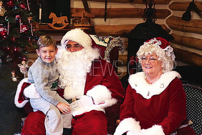 BORO Cabin Christmas // Santa and Mrs Claus with  Gavin Mahoney 6 Pt Pleasant
