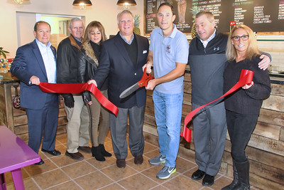 Ribbon cutting at Amazon Fruit Bowls in Point Pleasant Beach on Tuesday December 12,2018. (MARK R. SULLIVAN /THE OCEAN STAR)