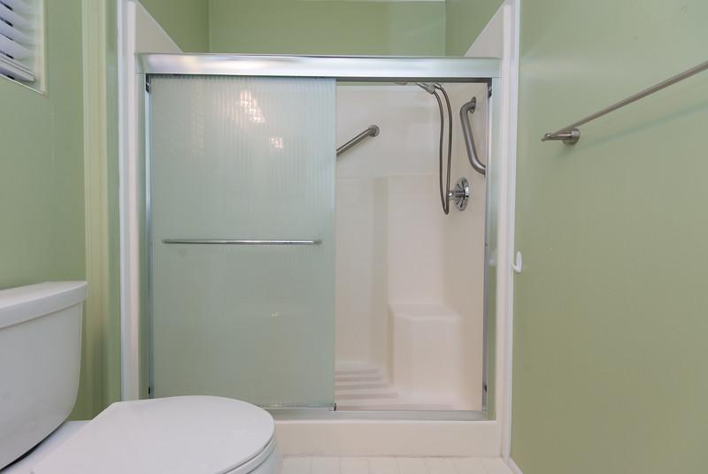 DSC_3411_shower