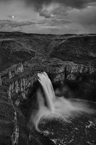 Moonrise over Palouse Falls, WA
