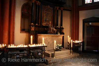 St. Viktor Cathedral in Xanten -  Interior in Candlelight