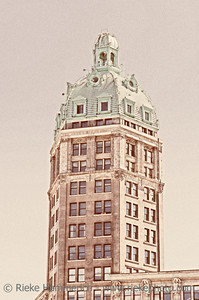 Sun Tower in Vancouver – Grain added to this Beaux Arts and 17 Storey Heritage Building in Vancouver, British Columbia, Canada, Built 1912