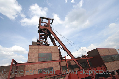 Shaft 1/2/8 of the Coal-Mine Zollverein - Zollverein Essen - World Heritage Center and industrial culture site Built between 1928 and 1932, closed 1986